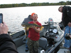 mn walleye fishing