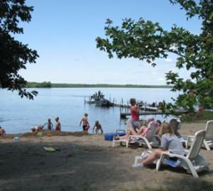 Wildwood Resort Kid Friendly Beach, family resort in Grand Rapids MN, Family Vacation