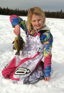 ice fishing with kids, great ice fishing in mn, ice fishing for pan fish, great ice fishing lake
