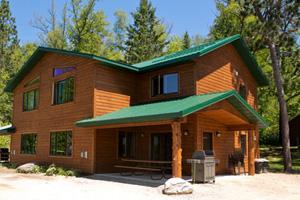 3 bedroom cabin in grand rapids | vacation lodge destination